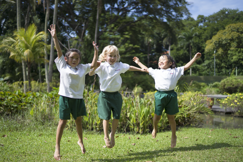 friends jumping in the air - sentosa preschool-2